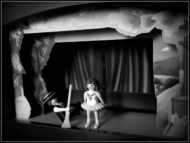 A Perfect Day (Renee Robertson's LAOM diorama)(sized)