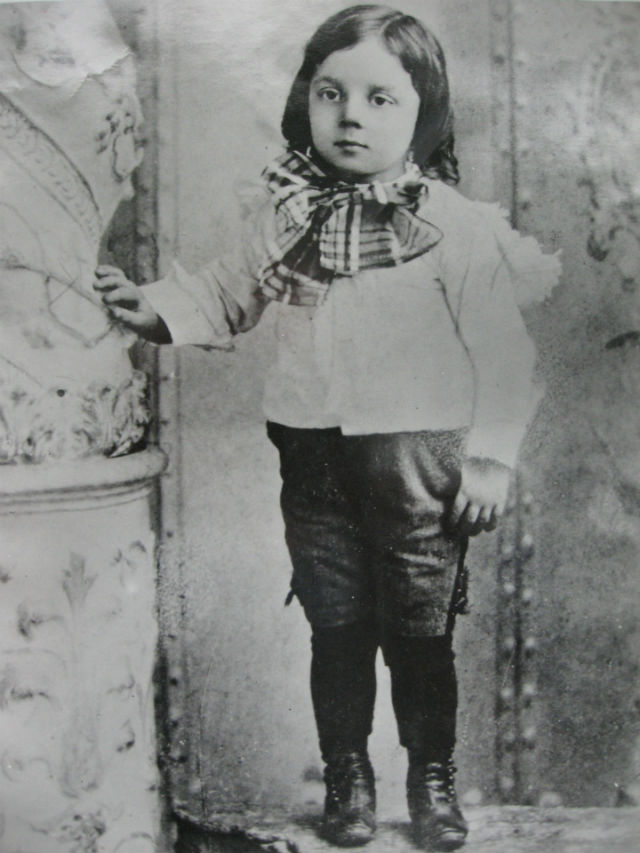 Buster aged four (1899_personal collectionS)